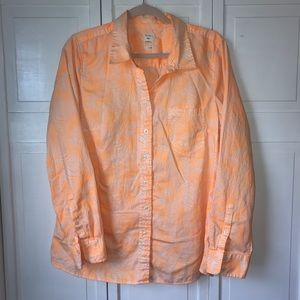 Gap Fitted Boyfriend Style Button Up, size Large